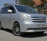 Toyota Noah for hire (avenue cabs)