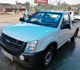 Isuzu dmax pickup 2012 model