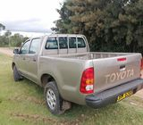 Toyota hilux dcab pickup 2010 model
