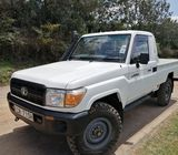 Toyota landcruiser pickup 2014 model